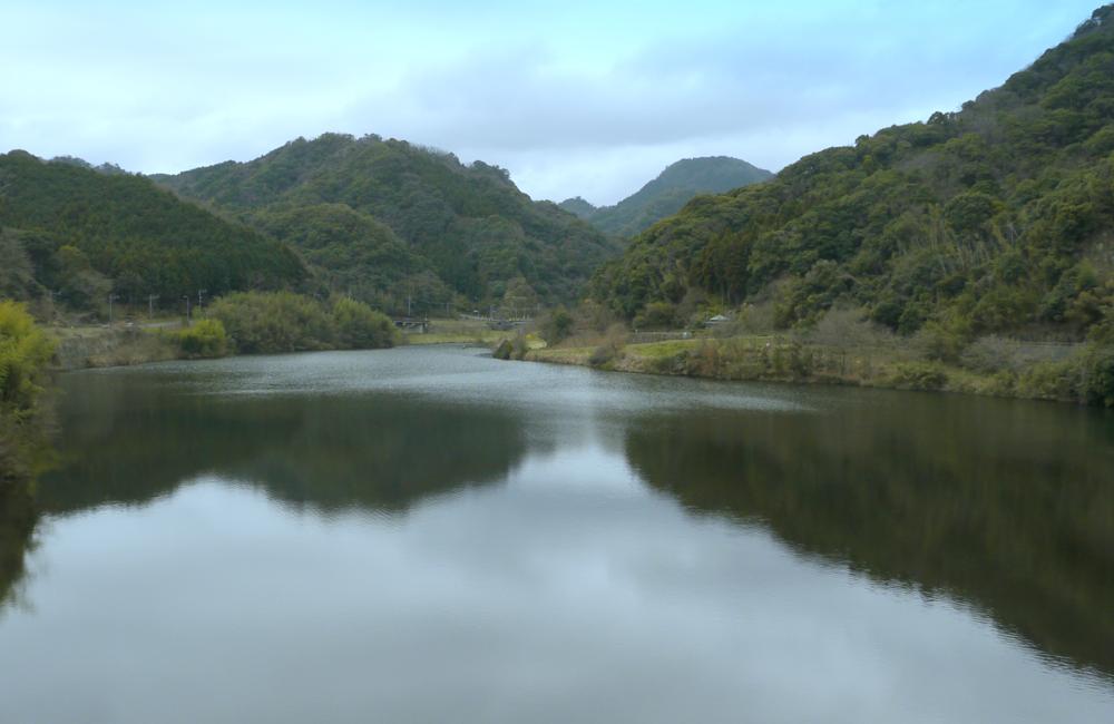 行入ダム(ぎょうにゅう)